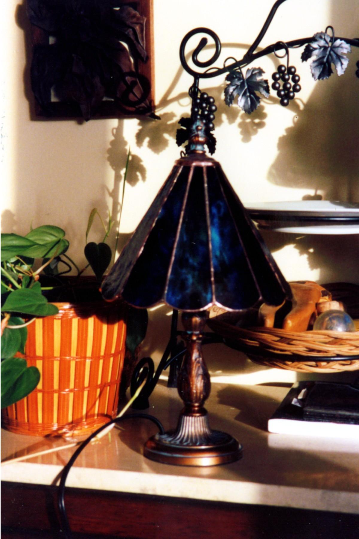 2002-10 lamp1
